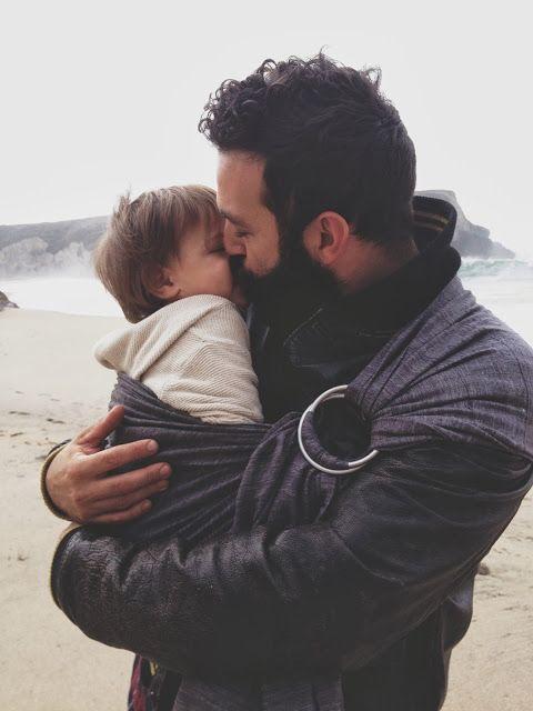 Sinh con không khiến bạn trở thành một ông bố. Nuôi con dạy bạn làm cha.