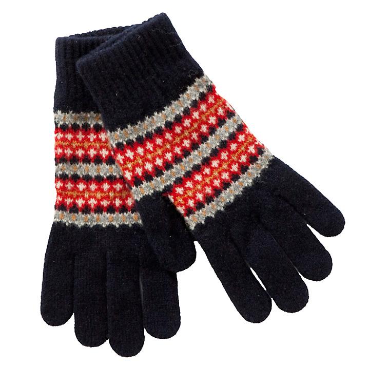 Babour khá nổi tiếng với phụ kiện cho nam giới với giá thành phải chăng. Đặc biệt là phụ kiện từ len.