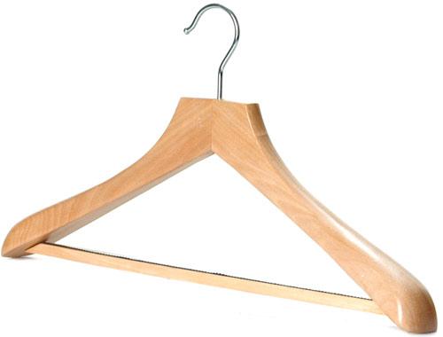 Cuối cùng, vô cùng quan trọng và rất ít người có: Coat hanger - mắc dành cho áo khoác. Với thiết kế cong mô tả vai người, phần cầu vai to để giữ phom áo khoác.