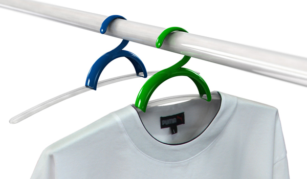 Shirt hanger: Mắc áo sơ mi, áo phông, thường là có thanh mảnh và thẳng. Tiết kiệm diện tích tủ