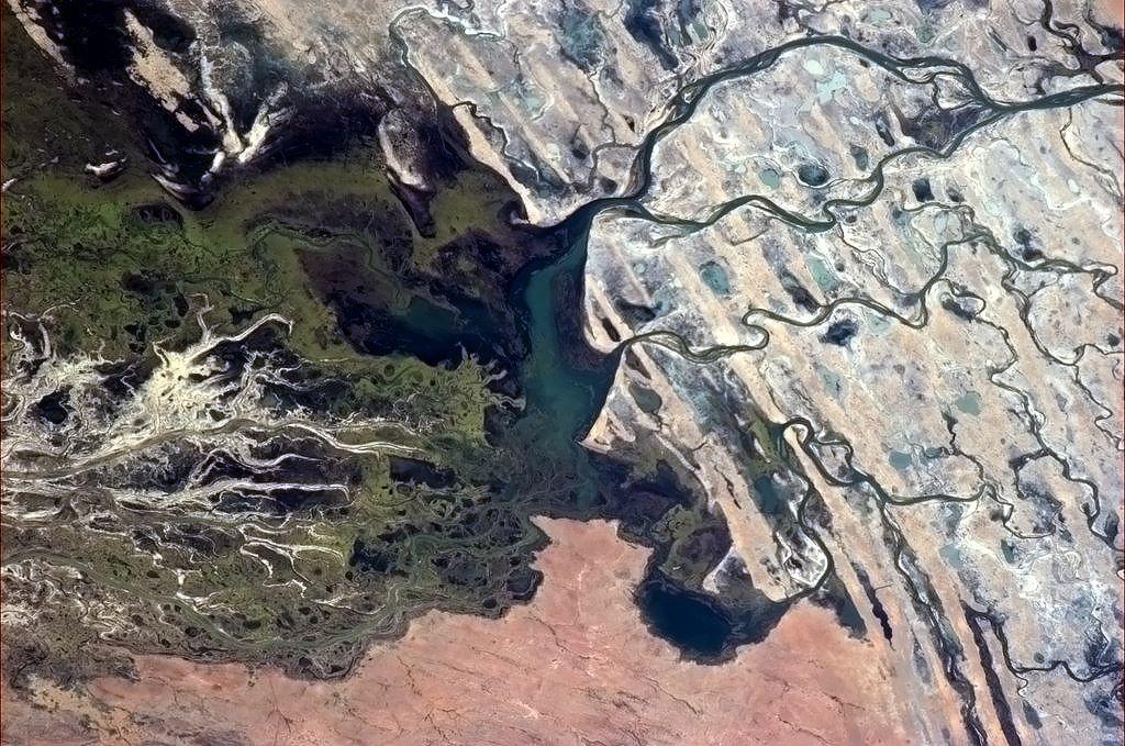 Đồng bằng Okavango ở Cộng hoà Botswana là đồng bằng trong đất liền lớn nhất thế giới.