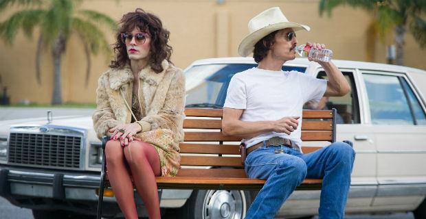 Cặp bài trùng kỳ lạ Rayon và Ron còn mang lại nhiều cảm xúc hơn kha khá tình yêu nam nữ trên màn ảnh.