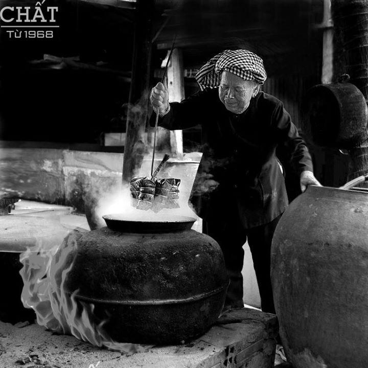 Ảnh: Xâu bánh đầu tiên (Nguyễn Văn Tuấn)