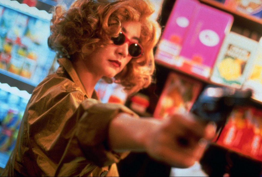 Lâm Thanh Hà (Brigitte Lin) trong vai người phụ nữ tóc vàng không tên.