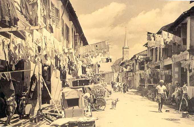 Ít ai trong chúng ta tưởng tượng được cách đây 54 năm, Singapore phồn hoa đã từng có cảnh này. Queen street - 1960.