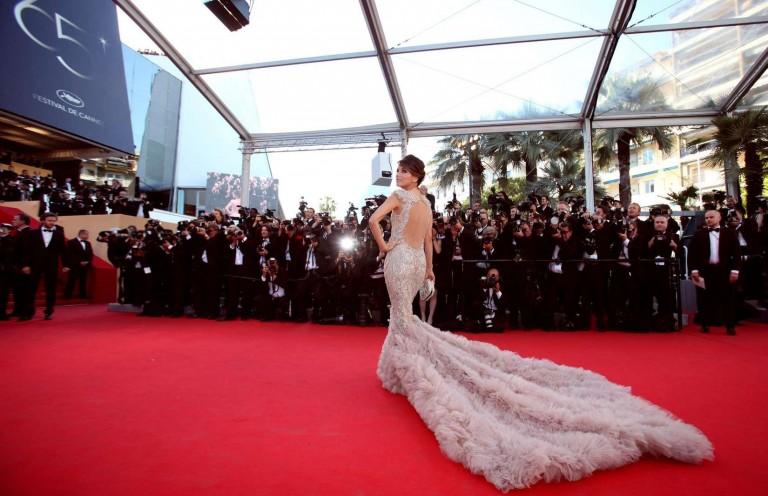 LHP Cannes là dịp để các diễn viên bất chấp hạng A hay B đổ về khoe dáng trên thảm đỏ.