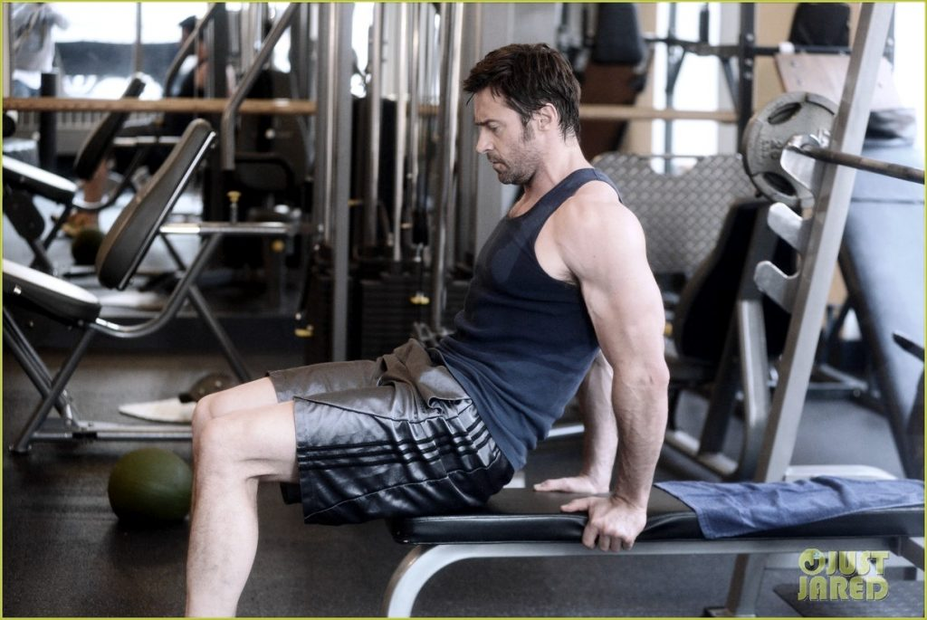 hugh-jackman-bulging-bicep-workout-23
