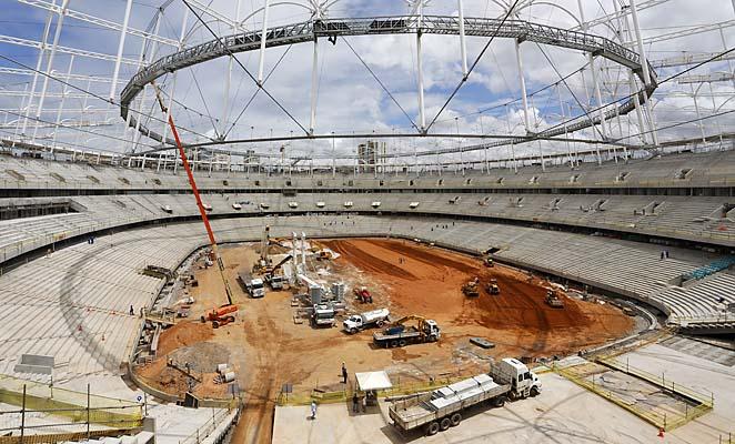 Ảnh chụp sân vận động Arena Fonte Nova ở Salvador trong quá trình xây dựng (51708 chỗ, kinh phí 265 triệu $), nơi Đức vừa thắng Bồ Đào Nha 4-0 đêm qua.