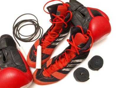 Các đồ bảo vệ thân thể sẽ giúp bạn giảm chán thương trong tập luyện, nhất là đôi tay.