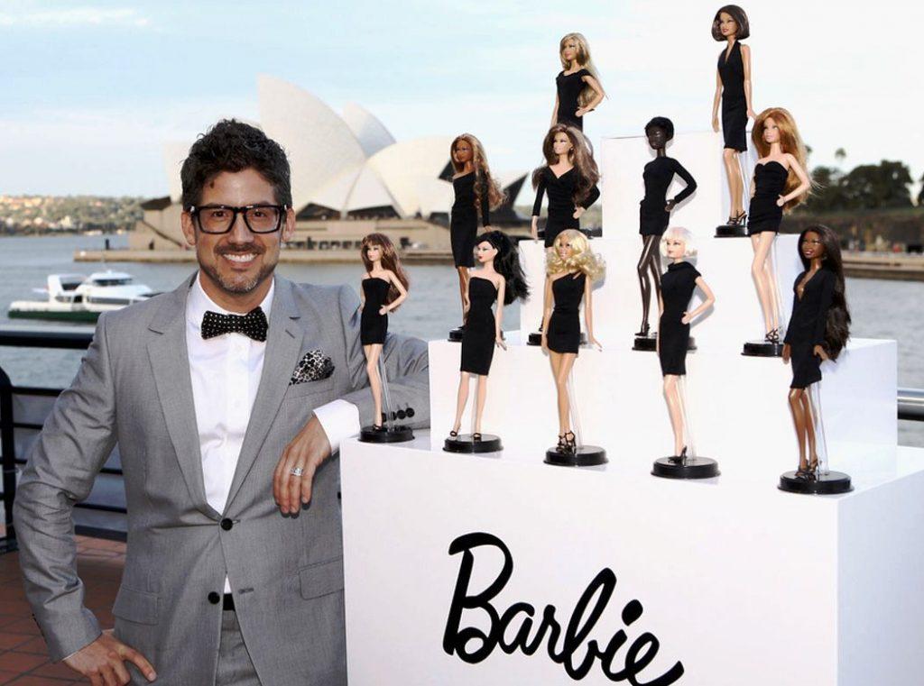 """Robert Best, một trong những nhà thiết kế cứng cựa của Barbie Collector. Sau khi chuyển từ công việc thiết kế cho những hãng thời trang khác để đến với Barbie, anh tâm sự rằng: """"Phong cách thiết kế của tôi luôn mang sự thực tế, khi tôi thiết kế cho Barbie, tôi không nghĩ rằng tôi đang thiết kế cho những cô búp bê. Nếu một người phụ nữ nhìn vào bộ trang phục của Barbie và có ý muốn được thử nó, thì tôi biết đó là một sự thành công."""""""