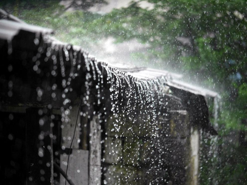 Chỉ trong hai tháng cao điểm mùa mưa là tháng Sáu và Bảy, tầm 5000mm nước đổ xuống ngôi làng Mawsynram (gấp đôi lượng mưa trung bình hàng năm ở Việt Nam).