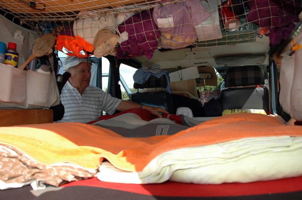 Chỗ ngủ của hai người.