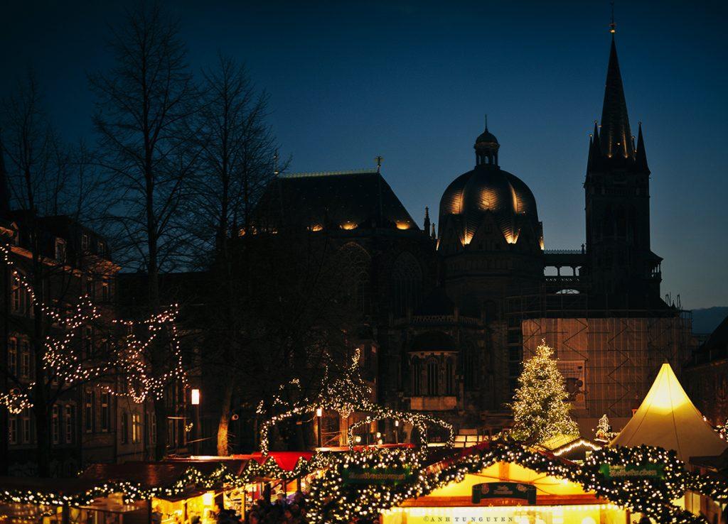 Một phần chợ Giáng sinh ở Aachen, một thành phố nhỏ nằm ở biên giới ba nước Đức, Hà Lan, Bỉ.