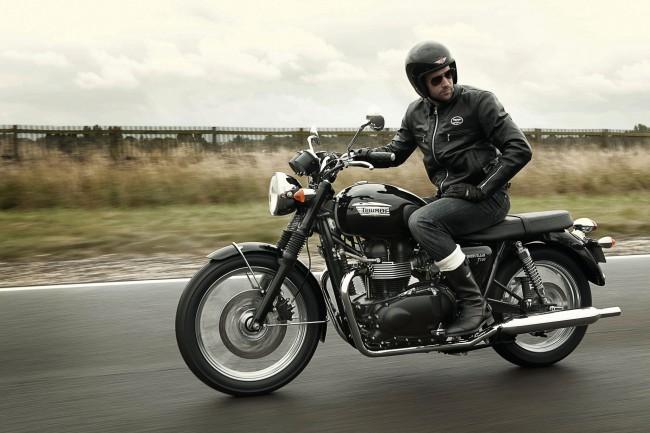 2012-Triumph-BonnevilleT100a