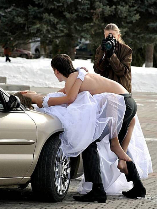 Funny-wedding-pictures-humping-on-car-hood-