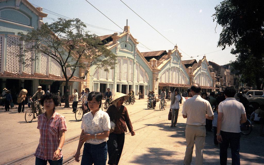 Chợ Đồng Xuân.