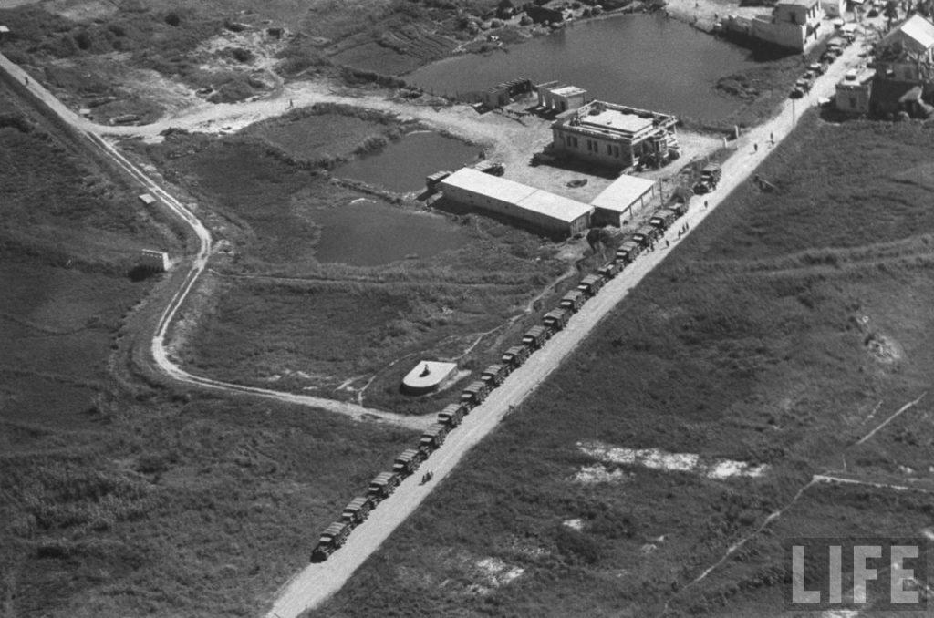 Binh sĩ Quốc gia VN rút từ Nam Định về Hà Nội, tháng 7/1954.