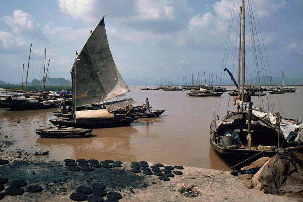Phà Rừng, Bạch Đằng, Hải Phòng 1991. Ảnh: Hpgrumpe.de