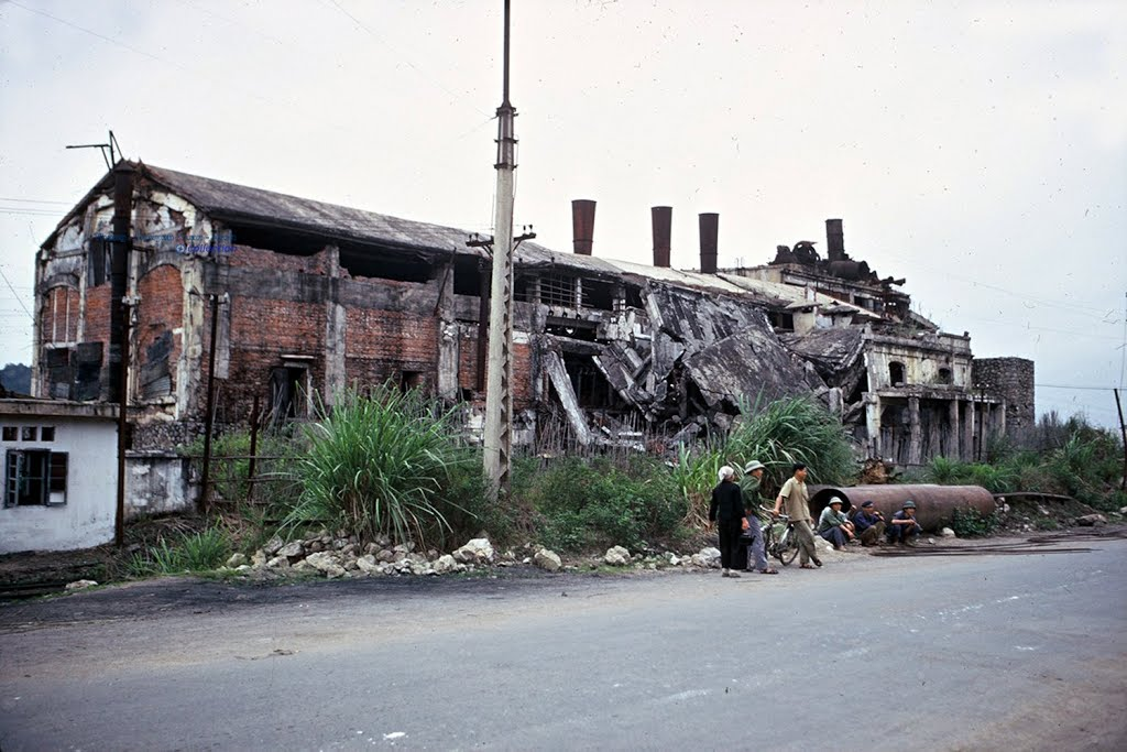 Nhà Máy Điện Yên Phụ, 1995.