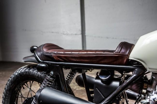 Norton-Commando-Tracker-Seat-1480x986