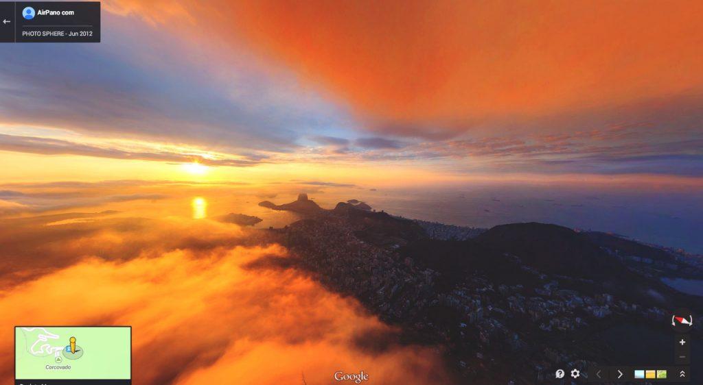 Núi Corcovado cao 700 mét ở Rio de Janeiro, Brazil. Trên đây có tượng Chúa Kitô Cứu Thế, biểu tượng của Rio.