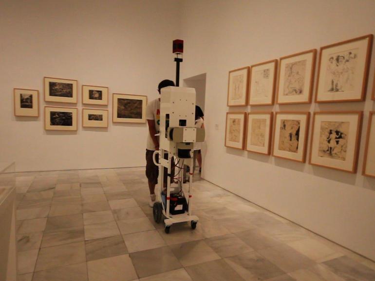 Xe đẩy Google Street View xuất phát từ những người yêu nghệ thuật, được làm ra để dùng cho các công trình trong nhà như viện bảo tàng, phòng triển lãm...