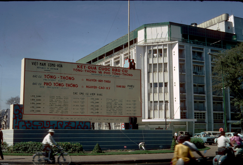 SAIGON Oct. 1967 - Election boards in the center of town - Photo by HG Waite