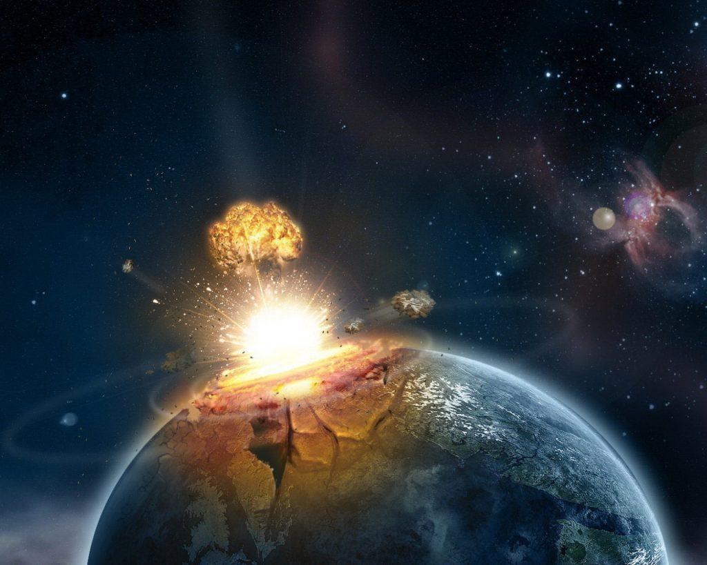 30-40 triệu năm sau công nguyên. Một thiên thạch với đường kính 10 đến 20km sẽ đâm xuống Trái Đất, hiện tượng kiểu này có xu hướng xảy ra một trăm triệu năm một lần và lần gần đây nhất, 65 triệu năm trước công nguyên đã khiến cho loài khủng long tuyệt chủng.