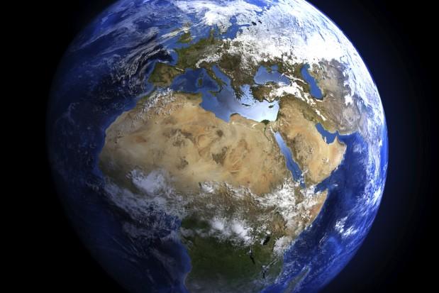 50 triệu năm sau công nguyên. Do sự dịch chuyển của các mảng địa chất, châu Phi sát nhập vào với châu Âu, tạo thành một dãy núi mới có khả năng cao ngang ngửa dãy Himalaya.