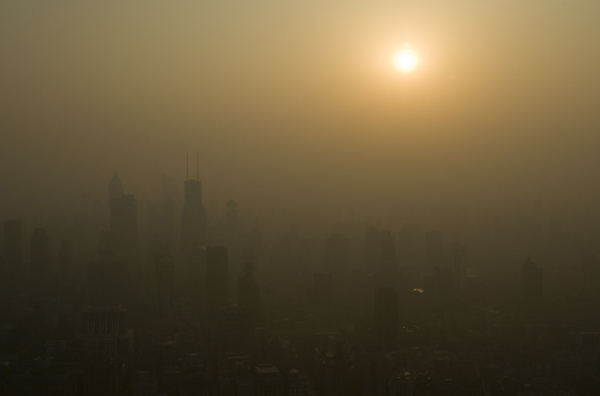 2033. Cho đến thời điểm này, đã có tổng cộng 80 triệu người Trung Quốc chết vì các bệnh về phổi.