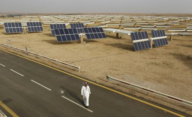 2032. Một phần ba năng lượng của Ả Rập Xê-Út lúc này đến từ năng lượng mặt trời.