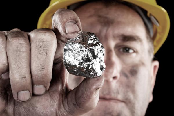2029. Trữ lượng bạc trên toàn thế giới cạn kiệt.