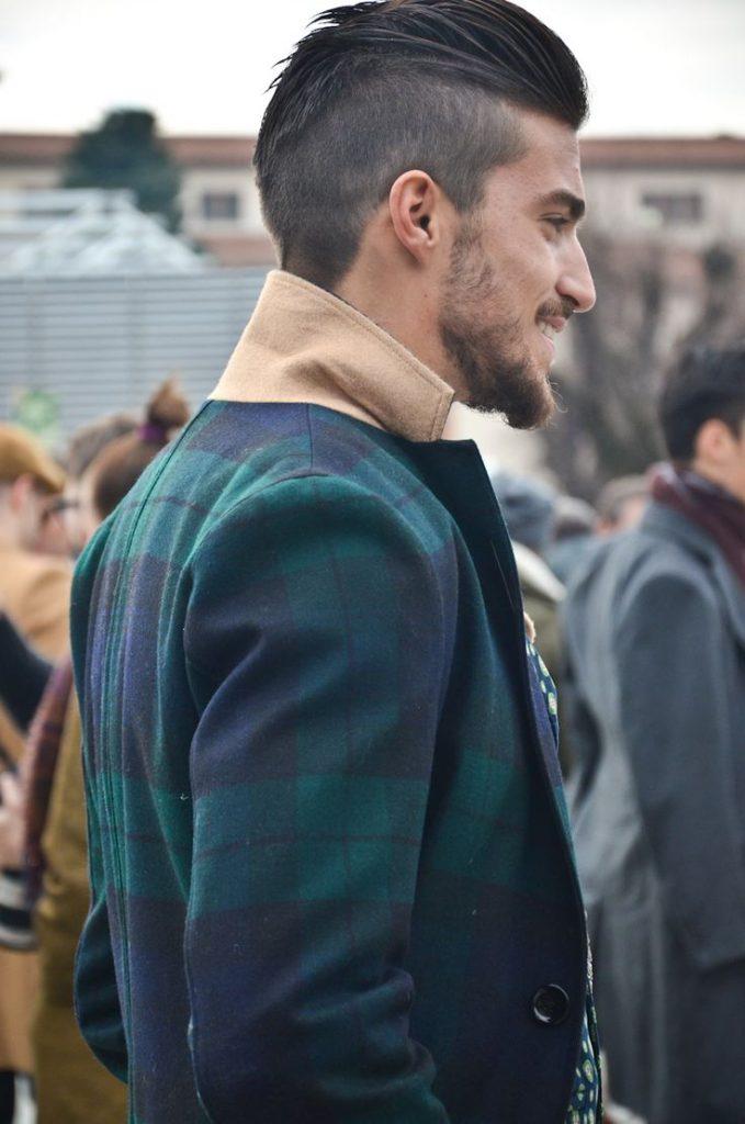 Để undercut thì chuẩn là tóc gáy phải nhọn xuống như thế này.