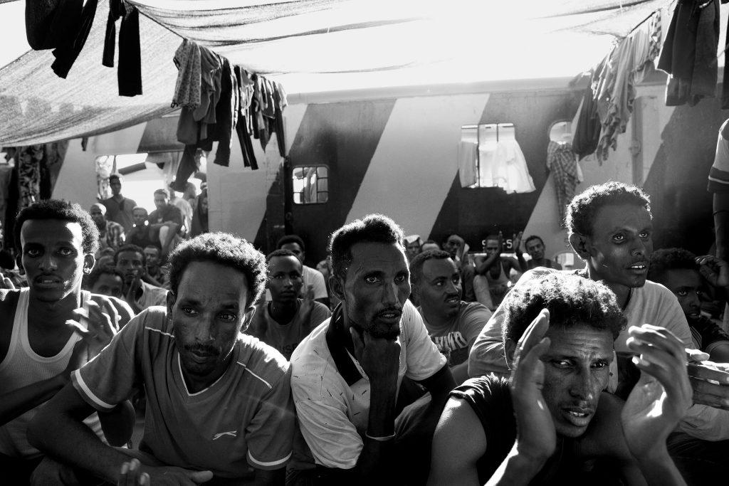 migrants-crossing-slide-9JCJ-superJumbo