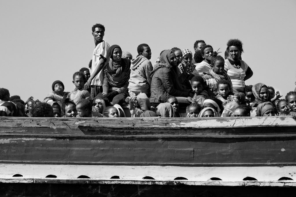 migrants-crossing-slide-RVMU-superJumbo