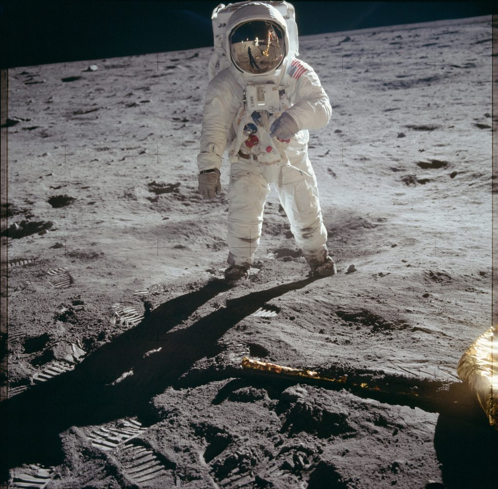 21039130393_fd389f9cce_k apolo 11 iconic photo buzz aldrin