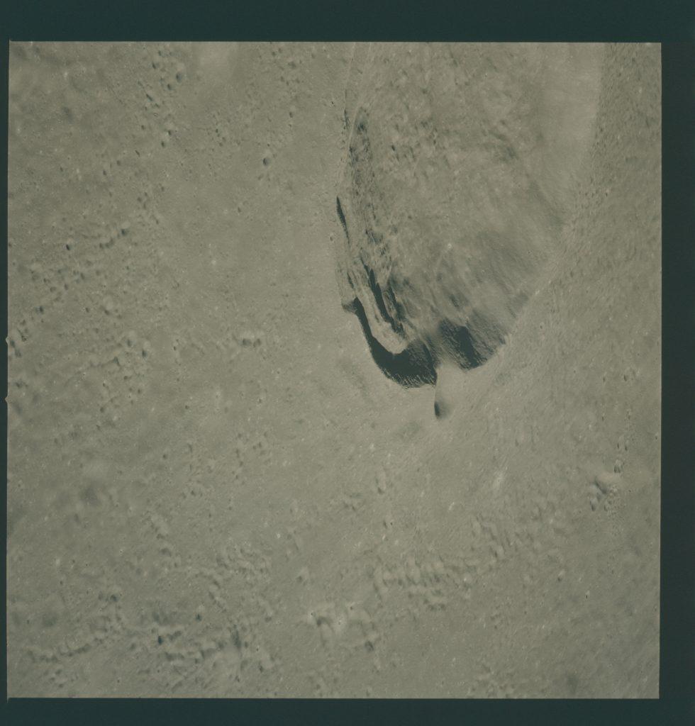 Lunar orbit rendezvous 5