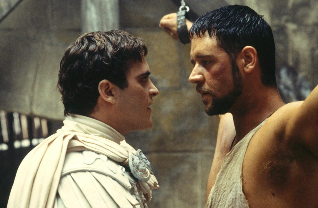 russell-crowe-and-joaquin-phoenix-in-gladiator-(2000)